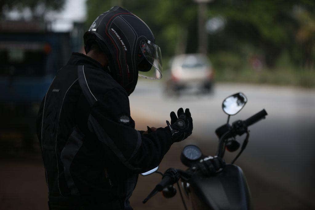 Filature moto detective prive Versailles